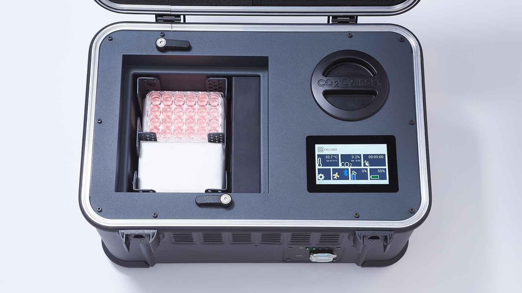 Display of  Cellbox flight CDI